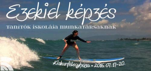 Kép: (CC) Andrew Sinclair: Karen surfing Waikiki. Forrás: https://www.flickr.com/photos/andrewsinclair/8845363590